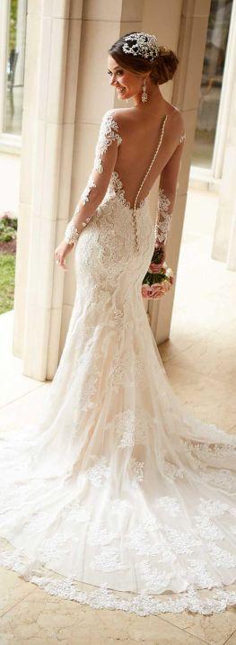 Trailing lace wedding dress