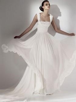 white floor length chiffon wedding dress