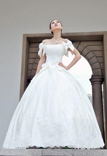 wedding with unique design shoulder3